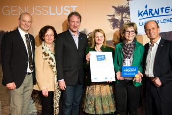 Das Foto zeigt die Verleihung des Kärnten Qualitätsgütesiegel
